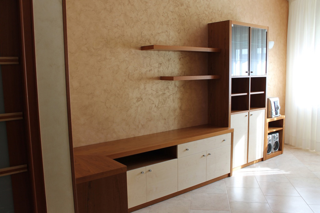Cucine artigianali, soggiorni e camere da letto